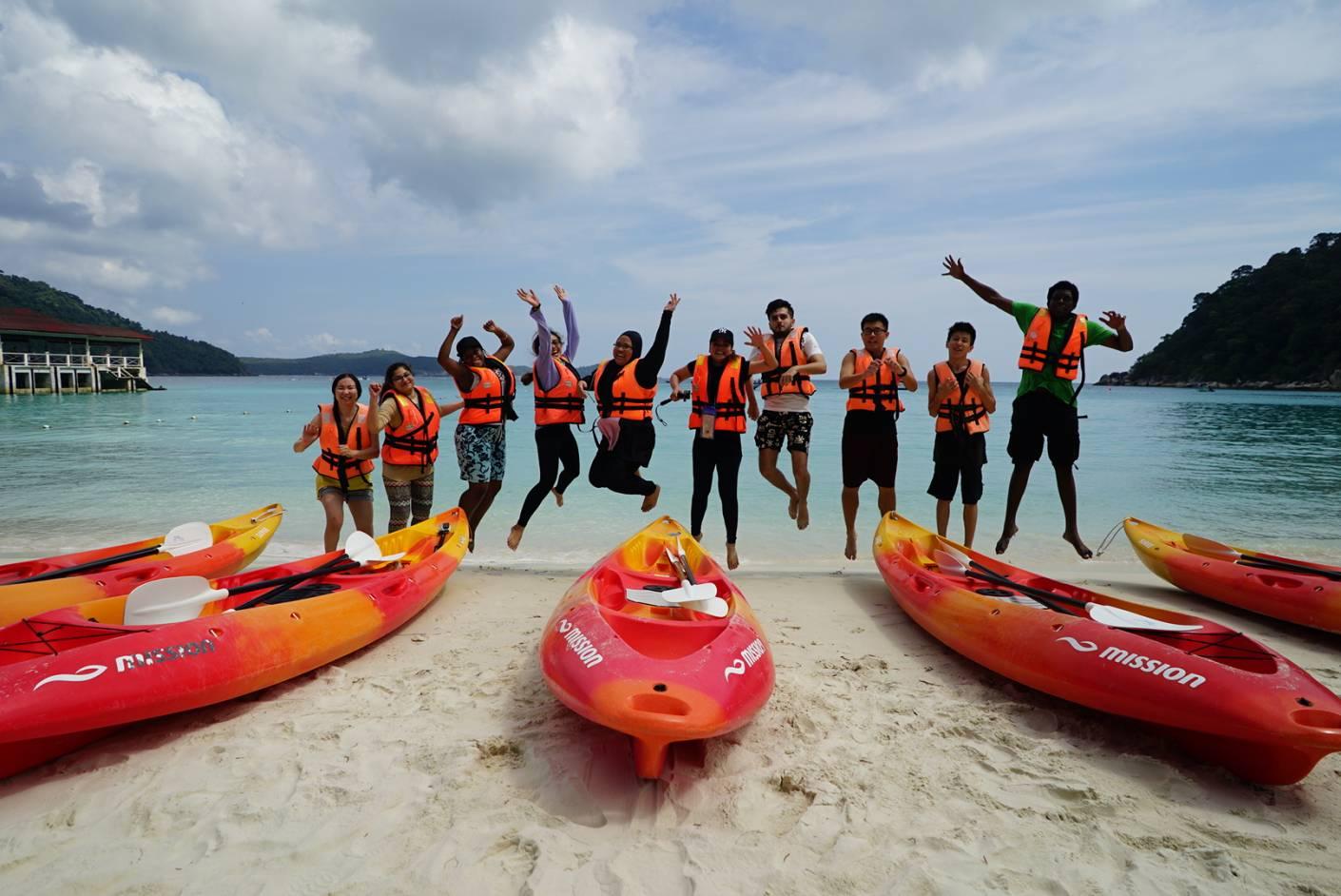 Perhentian_Island_Resort_Canoe-Group